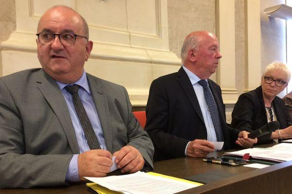 Benoit Digeon, (à gauche) était premier adjoint au maire de Montargis depuis 17 ans.