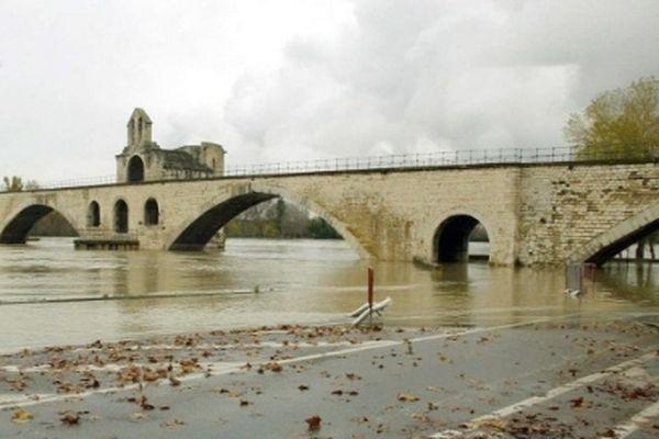 Image d'archives prise lors de la crue du Rhône le 25 novembre 2002
