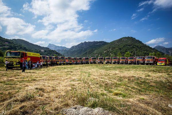Les moyens de lutte contre les incendies de forêt ont été présentés sur la commune du Broc, en présence des autorités.
