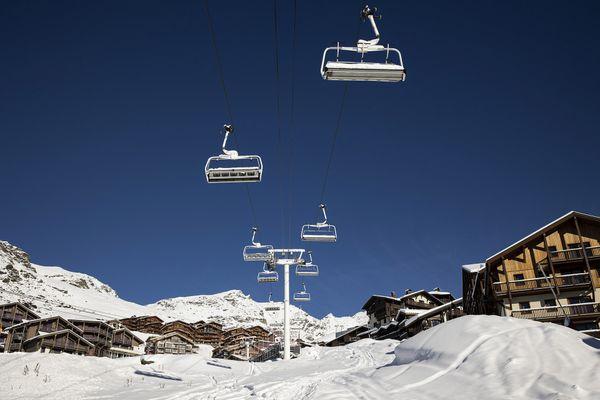 La station de ski de Val Thorens, quasiment déserte suite à la décision du gouvernement de fermer les remontées mécaniques pour lutter contre la pandémie Covid 19.