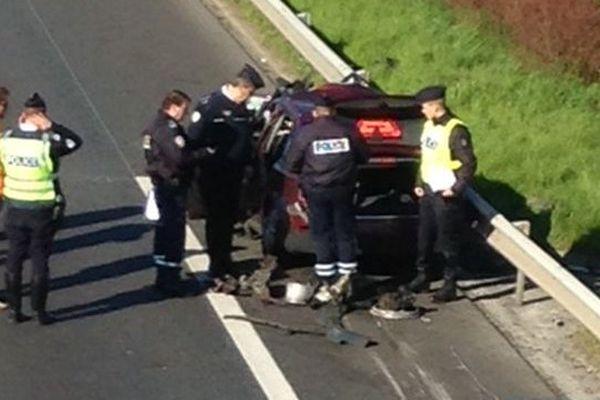 Une course poursuite entre passeurs présumés et policiers belges s'est terminée en gros carambolage sur l'A16.