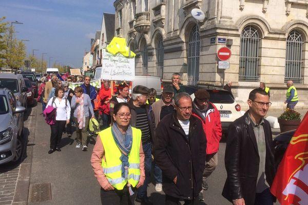 Le cortège du défilé du 1er mai, à Gien.