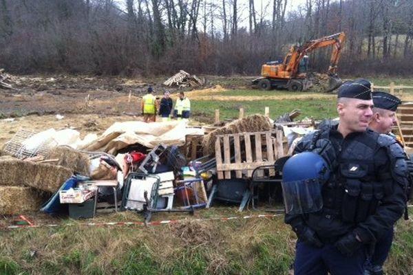 Evacuation du site du futur barrage de Sivens le 27/02/2014