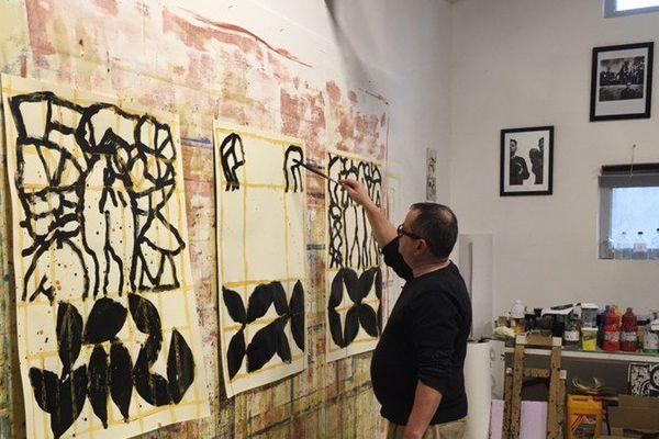 Le peintre vendômois Philippe Berthommier en plein travail dans son atelier