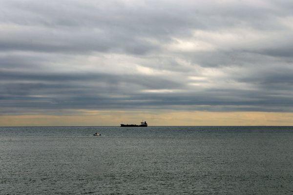 Un horizon toujours nuageux sur la Manche...