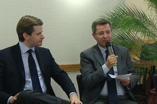 Guillaume Larrivé et Emmanuel Bichot lors d'une réunion publique, jeudi 27 juin 2013.