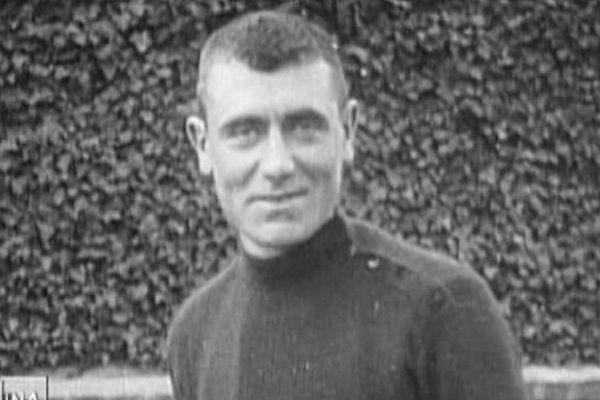 Le coureur Eugène Christophe, sur le Tour de France 1913.