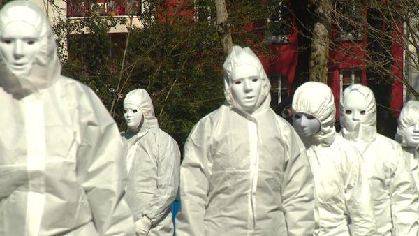 Les Masques Blancs envahissent le Jardin des Plantes