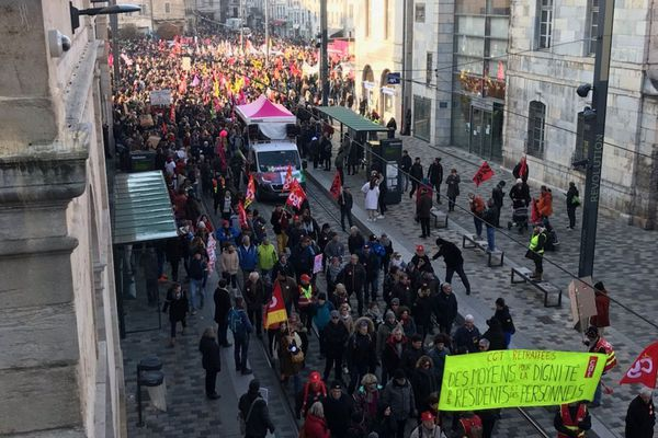 Manifestation contre la réforme des retraites le 5 décembre 2019 à Besançon