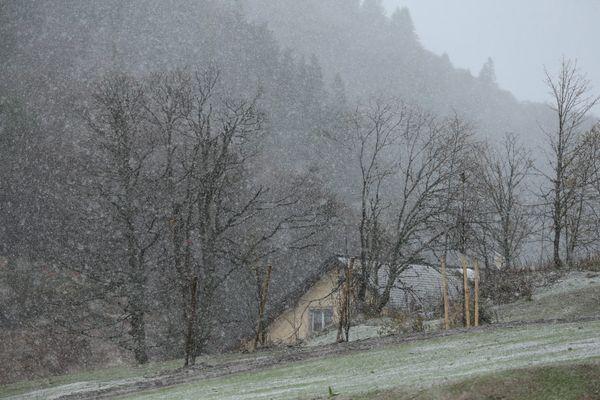 Photographie prise au col de la Schulcht, au mois de novembre 2019, alors que la neige commençait à tomber.