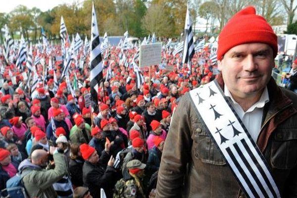 Le maire de Carhaix est sorti de l'anonymat après les manifestations contre l'écotaxe en Bretagne.