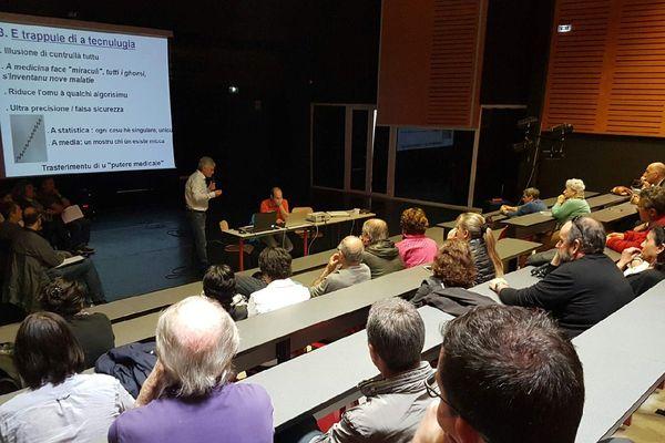 """Le collectif """"Parlemu Corsu"""" a abordé le thème des sciences et des technologies du futur en langue corse lors d'une conférence, le samedi 14 mai 2016, à Bastia."""
