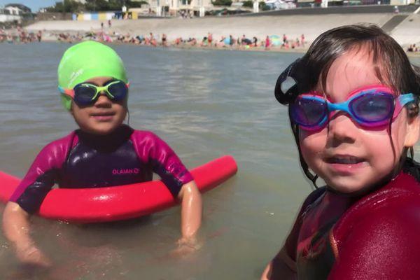 prendre des cours de nage en mer, c'est une bonne idée de loisir et de sécurité