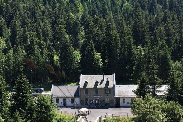 La gare du Lioran reste une des attractions de la station de ski, notamment car elle est la seule station d'Europe à posséder sa propre remontée mécanique !
