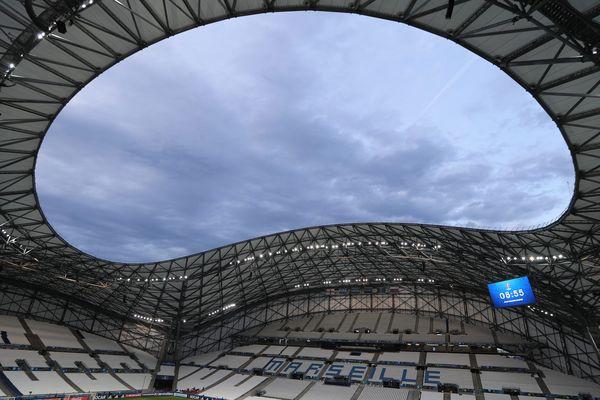 Tout est fait pour que les supporters russes et anglais ne se croisent pas en se rendant au stade Vélodrome.