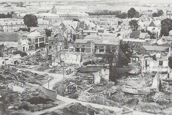 Abbeville est méconnaissable après les bombardements du 20 mai 1940.