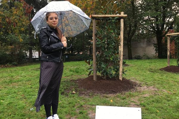 Ava Ouaknine, amie de Myriam Monsonégo assassinée par M.Merah le 19 Mars 2012.