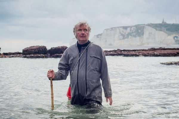 Christophe, malvoyant profond de naissance, pêche à pied depuis ses 6 ans.