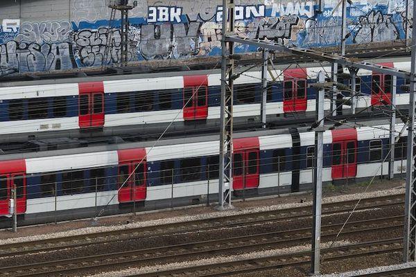La SNCF et la RATP limitent leurs offres de transport