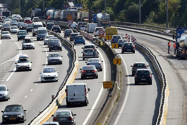 L'autoroute A1 est à éviter jusqu'à au moins 21 heures pour ne pas être coincé les embouteillages.