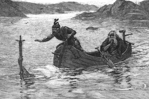 La Dame du Lac donne Excalibur au roi Arthur.