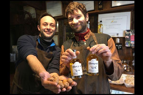 L'huile de Noix du Moulin de Maneyrol, de l'or en bouteille !