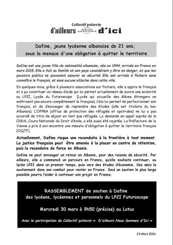 """Le collectif """"D'ailleurs Nous Sommes d'Ici 86"""" avait appelé à manifester en soutien à Dafine."""