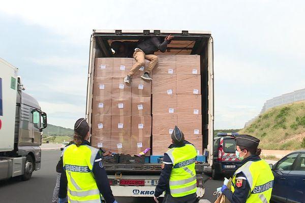 Trois migrants afghans étaient cachés dans la remorque d'un camion - 9 mai 2020