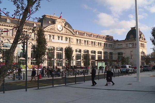 Le parvis de la gare Matabiau à Toulouse
