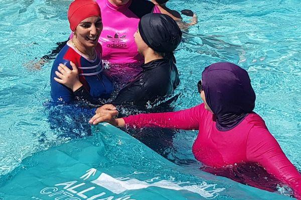 Suite à la polémique de burkini en 2019, des militantes de l'association grenobloise Alliance citoyenne avaient mené une action pour le port du burkini en piscine.