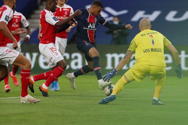 Kylian Mbappe, le PSG l'emporte face à Reims 4 buts à 0