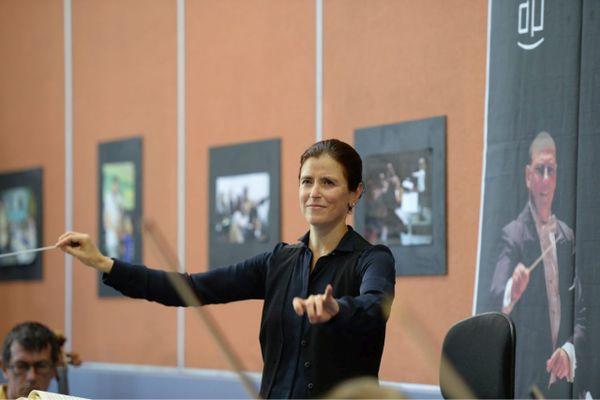 Debora Waldman dirige l'orchestre national d'Avignon-Provence depuis septembre 2020.
