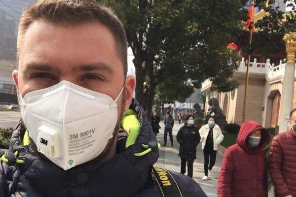 Dans une vidéo, le Caennais Fabien Lemasson, installé en Chine, alerte sur le respect du confinement.