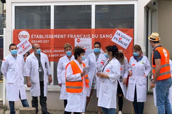 Le personnel de l'Etablissement français du sang de Strasbourg participe au mouvement de grève national initié par l'intersyndicale.