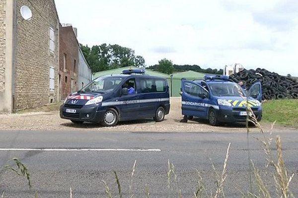 A Fromy, la ferme du suspect a été fouillée par les gendarmes.