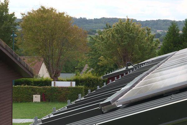 La commune de Mesnières-en-Bray vient d'installer des panneaux photovoltaïques.