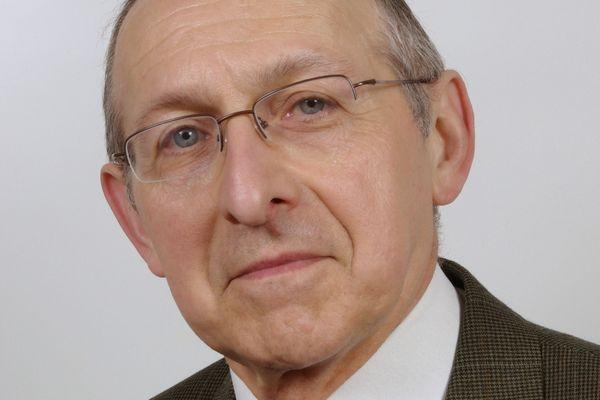 Jean-Claude Philipot est conseiller municipal à Reims, il se présente sour l'étiquette RN