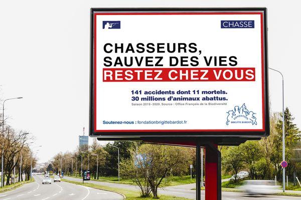 Près de 250 affiches comme celle-ci ont été installées dans la région Centre-Val de Loire.