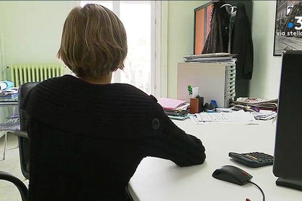 Alcoolisme au féminin, une femme consulte au centre de rééducation du Finosello à Ajaccio (Corse du Sud).