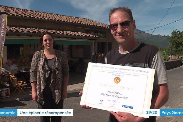 Notre-Dame-de-la-Rouvière (Gard) - Dina et Manuel Pirès ont reçu un Mercure d'Or - octobre 2021.