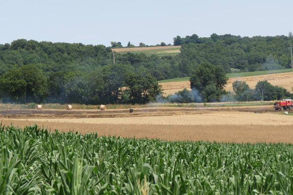 L'incendie de François (79) a pour origine une botteleuse.