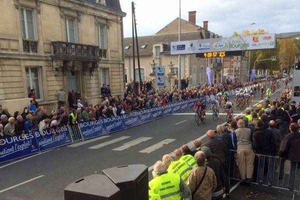 L'Irlandais Sam Benett vainqueur de Paris-Bourges