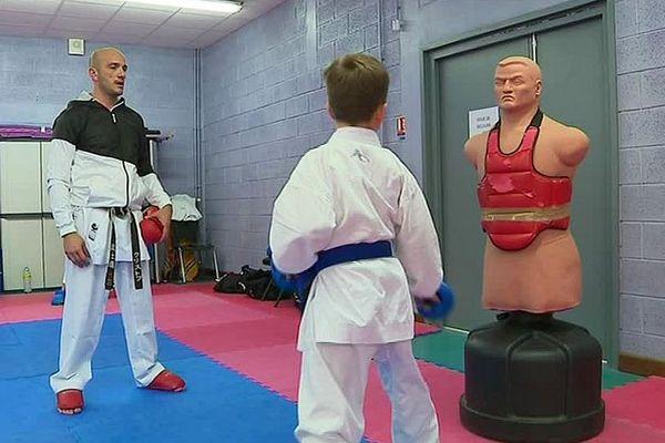 Christophe Pretagna et son fils participent à l'Open de New-York de karaté.