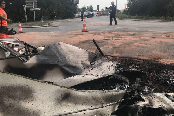 Une caravane a brûlé ce lundi matin.