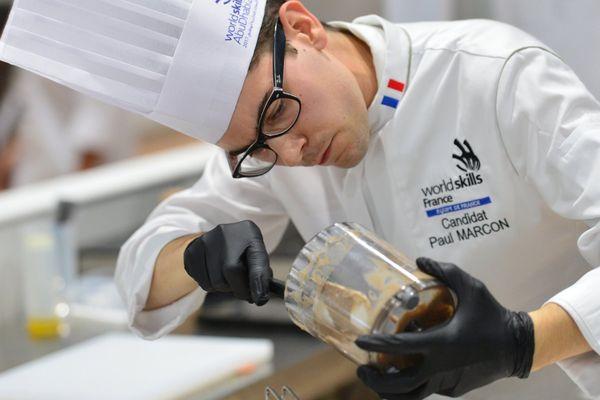 Prix d'excellence dans la catégorie Cuisine pour Paul Marcon, lors de la finale mondiale des Olympiades des métiers à Abu Dhabi. Octobre 2017.