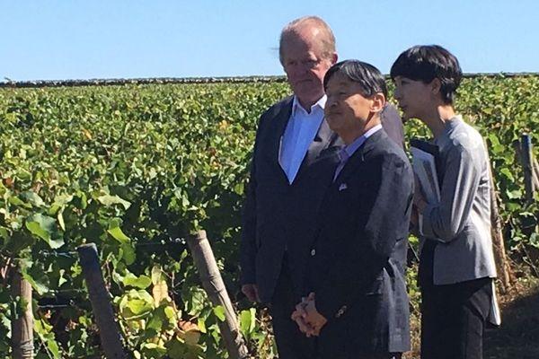 Le prince japonais Naruhito dans les vignes du domaine Fleurot à Santenay