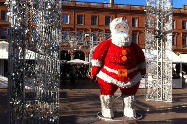 Le marché de Noël de Toulouse a ouvert ce vendredi 27 novembre 2015.