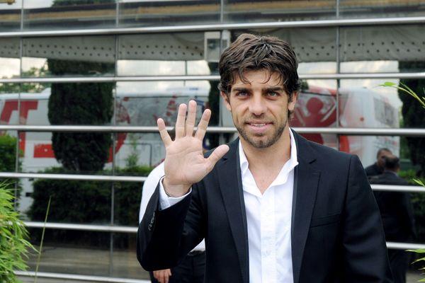 Il y a 10 ans, Juninho posait devant l'Olympique Lyonnais