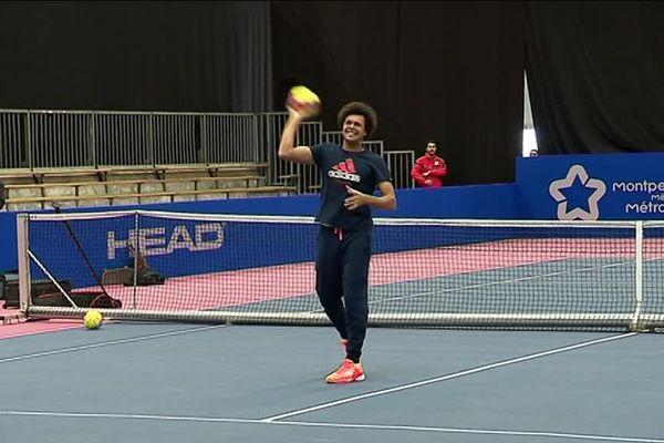 Jo Wilfried Tsonga s'initie au Handball lors de l'Open Sud de France - 07/02/2017
