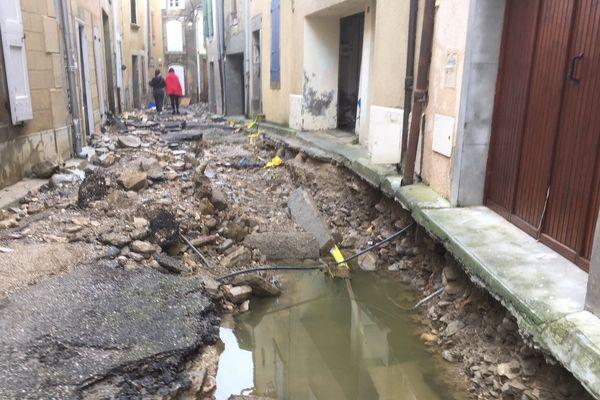 """Quelque 8.000 foyers étaient lundi matin privés d'électricité dans l'Aude et l'Hérault à la suite d'importantes inondations. """"A 09H30, Enedis dénombre 8.000 clients privés d'électricité : 6.000 dans l'Aude, 2.000 dans l'Hérault"""", indique Enedis sur Twitter."""